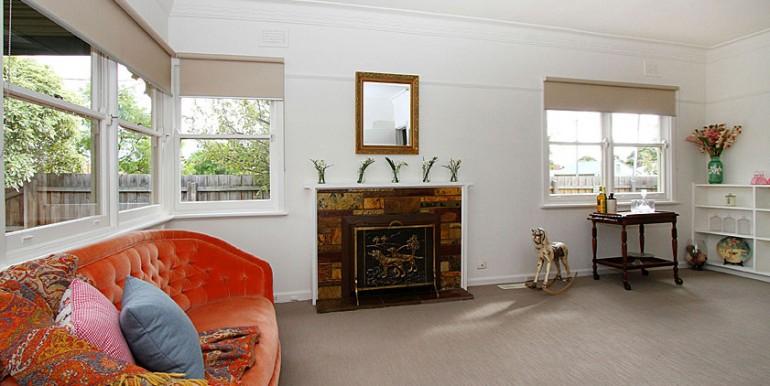 5 sitting room 2