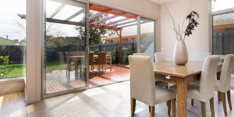 4 livingto deck