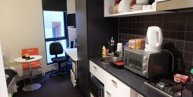 MAIN 608 kitchenliving