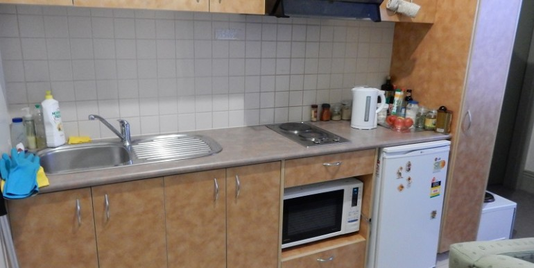 2 203 Kitchen