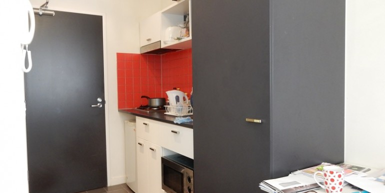 3 kitchen 210