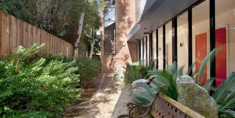 5-courtyard