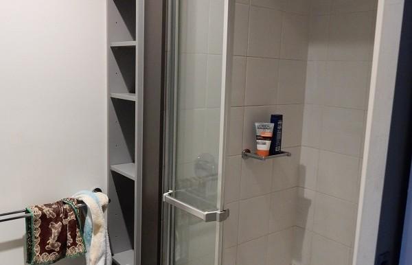 6 shower