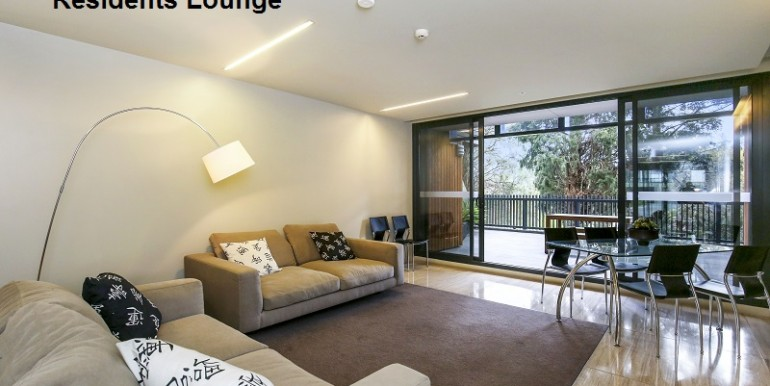 7 residents lounge