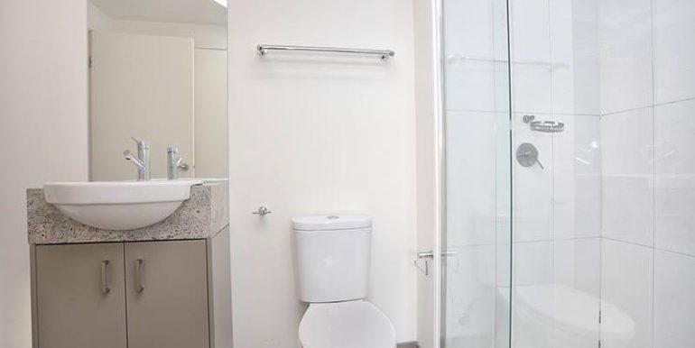 9 205 Bathroom