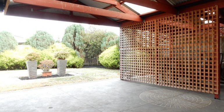2 6 Athol courtyard