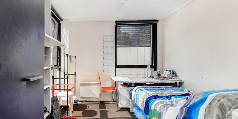 2 411 Bedroom