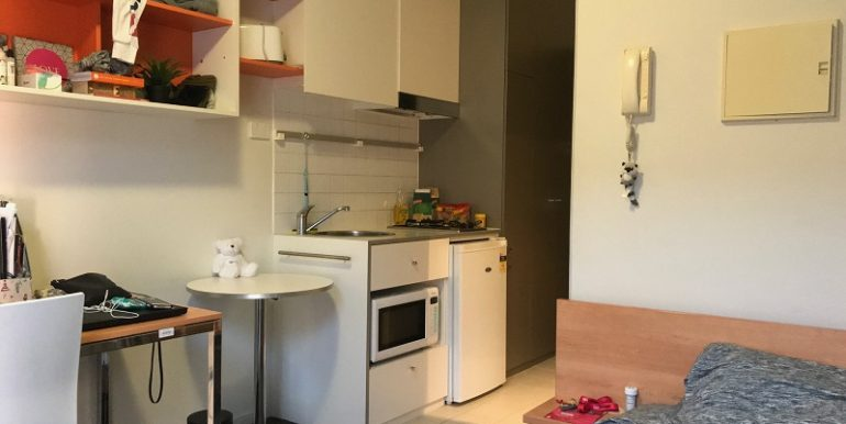 3 208 living to kitchen