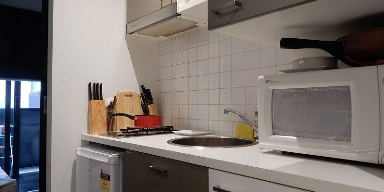 3 kitchen detail