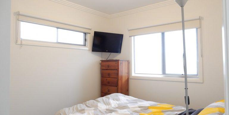 9 L Bedroom
