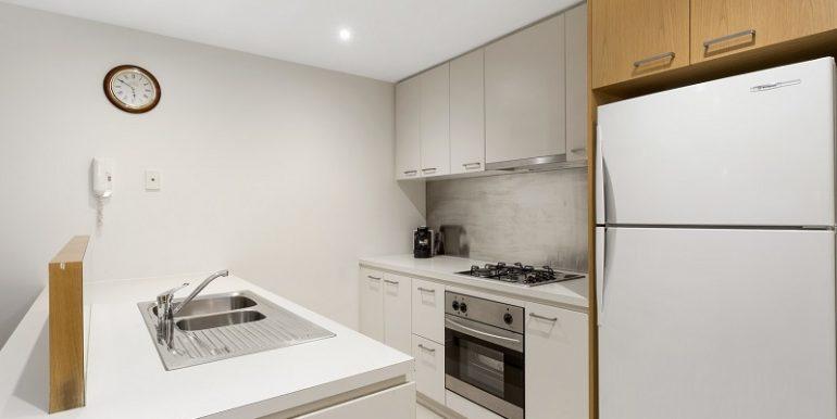 4 607 kitchen 3