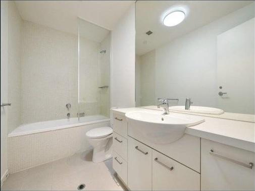 7 607 bath