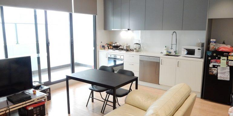 3 17 kitchen living