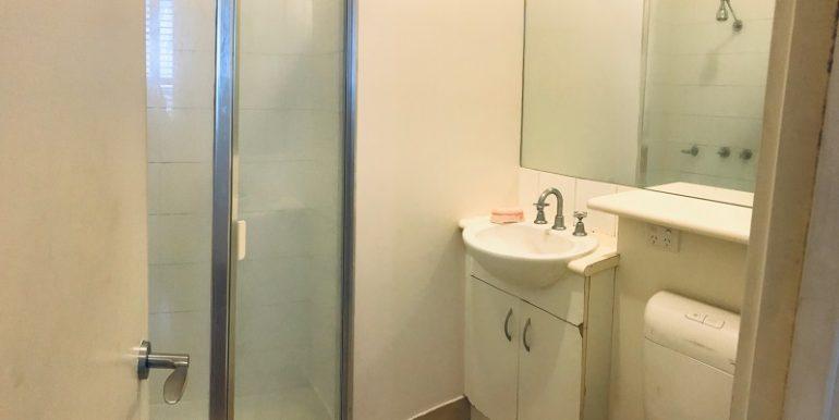 8 2507 Bath