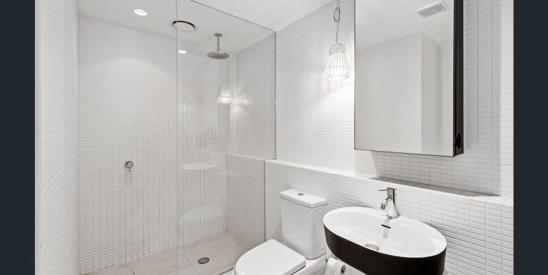 6 609 bathroom
