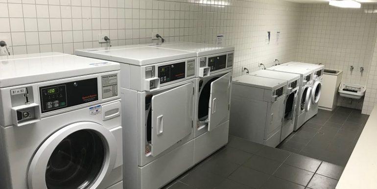 8 Laundry 608