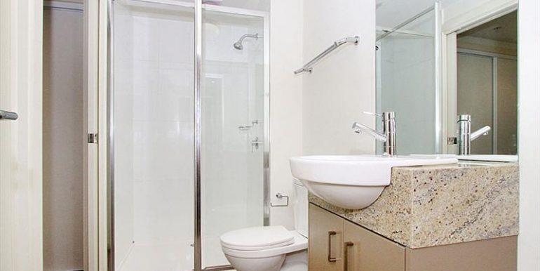 6 109 Bathroom