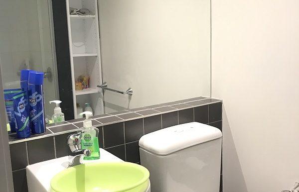 7 605 Bath