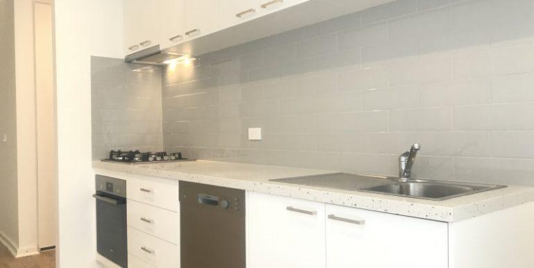 6 102 kitchen 2