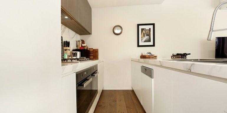 3 7 Desbrowe kitchen2