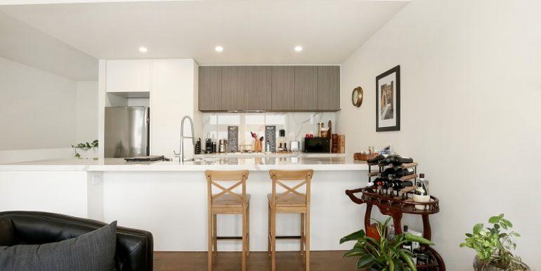 4 7 Desbrowe kitchen1