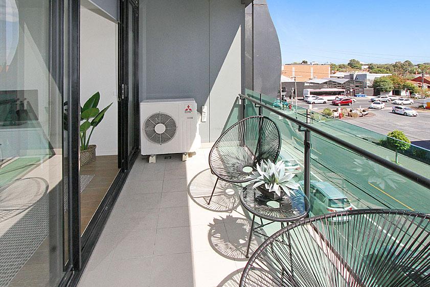 6 balcony