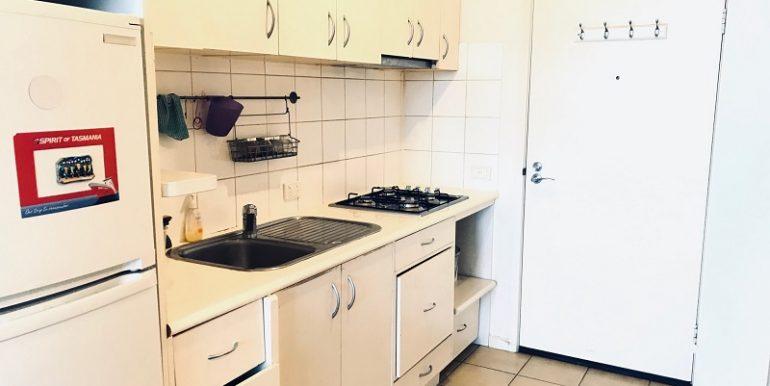 5 2507 Kitchen Detail