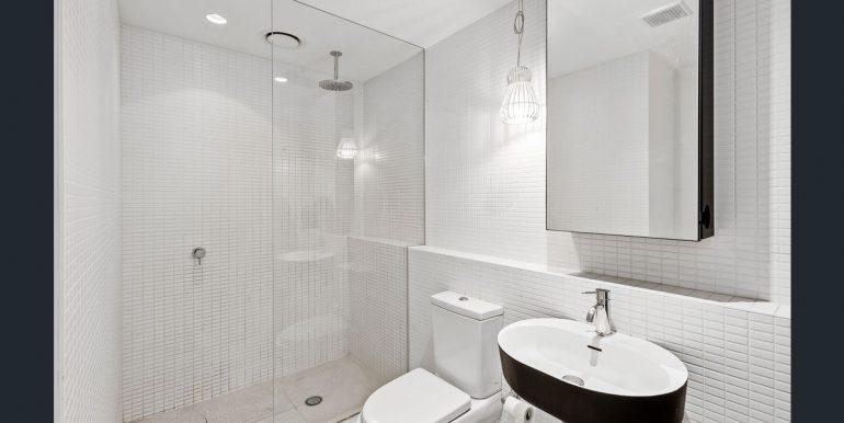 6 609 bathroom