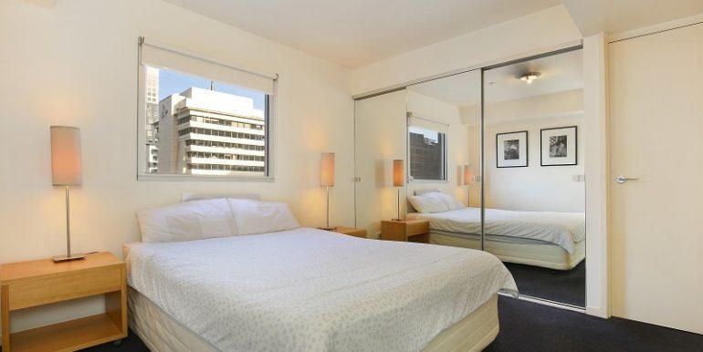 7 807 bedroom