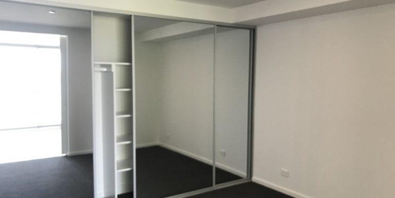 6 202 bedroom
