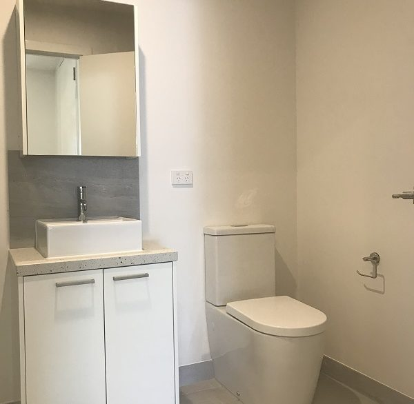 10 New 104 bathroom b