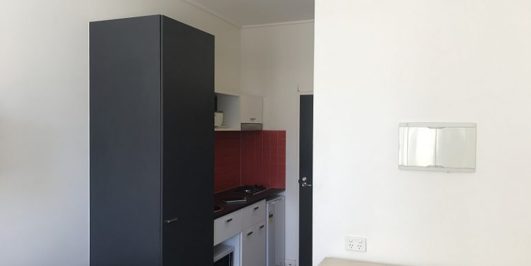 6 308 bed to kitchen