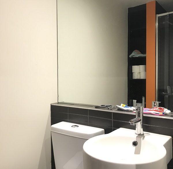 8 1009 Bathroom